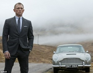 Minimalist men's style: James Bond's charcoal suit