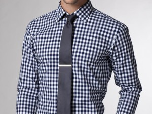 Minimalist men's style: Gingham Shirt